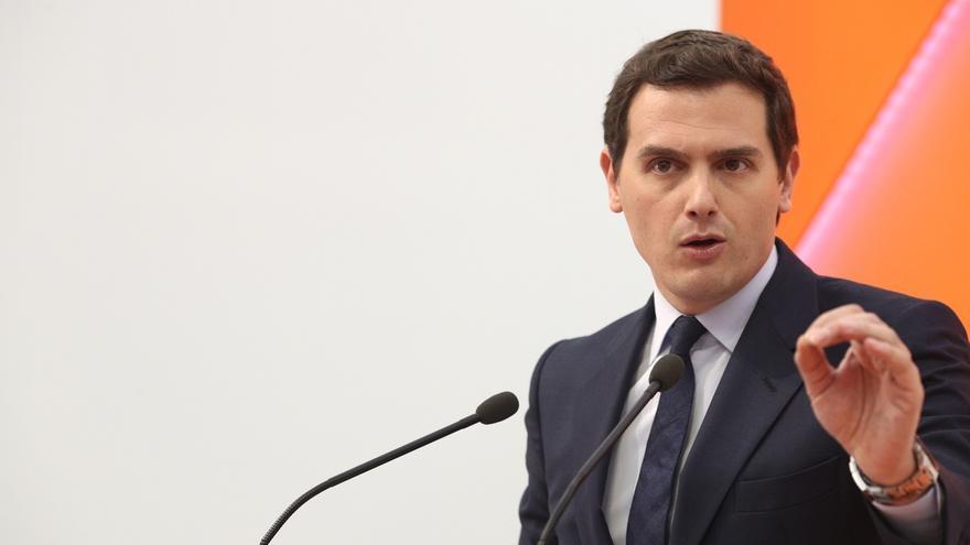 Rivera propuso al PSOE que Jáuregui, Redondo o Solana fuese el candidato independiente en una moción instrumental