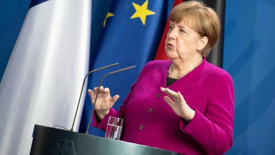 Merkel defiende ante grupo Visegrado el plan de reconstrucción franco-alemán