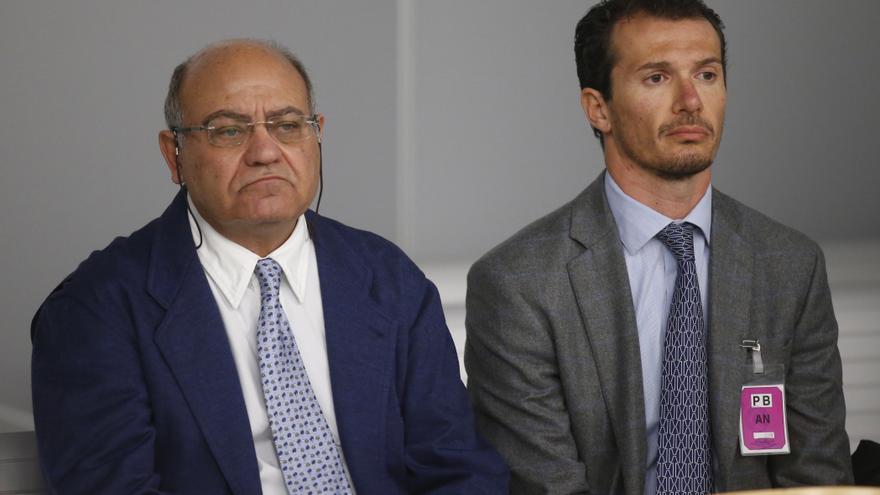 Gerardo Díaz Ferrán e Iván Losada, el 7 de enero de 2016 en la Audiencia Nacional. Foto: EFE