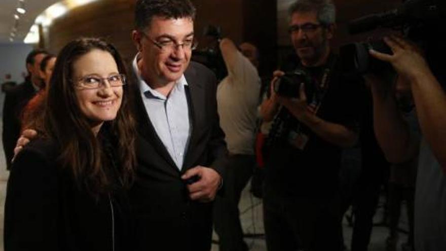 Mónica Oltra y Enric Morera. / Efe
