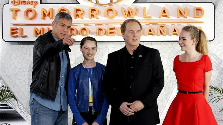 """Clooney buscando """"Tomorrowland"""" y el terror de """"It Follows"""", en los cines"""
