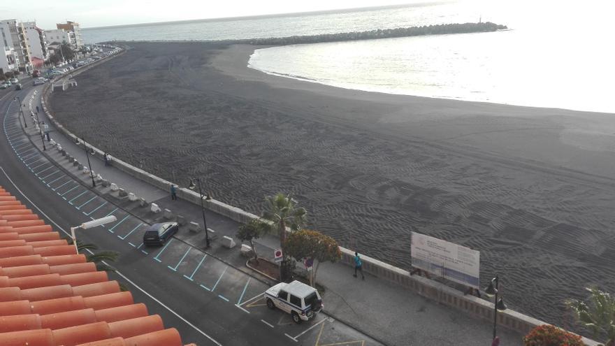 Playa del frente marítimo de Santa Cruz de La Palma.