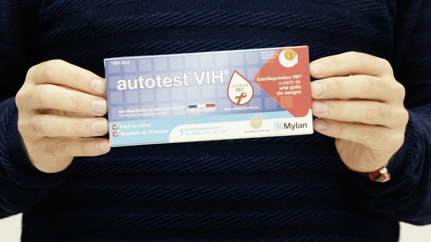 Imagen del paquete del autotest del VIH