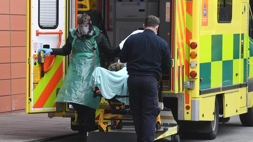 El Reino Unido supera los 100.000 muertos por coronavirus