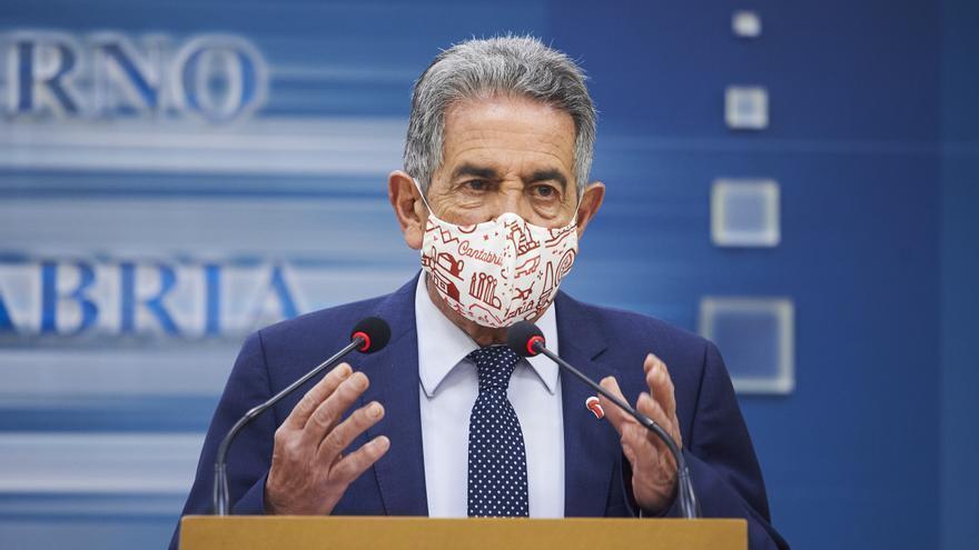 El presidente de Cantabria, Miguel Ángel Revilla, en rueda de prensa.