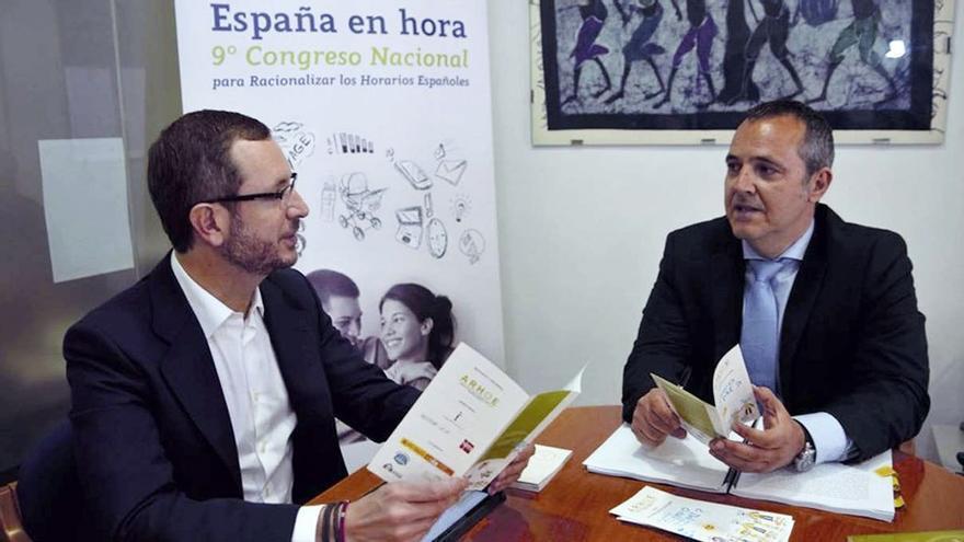 Javier Maroto reunido con José Luis Casero.