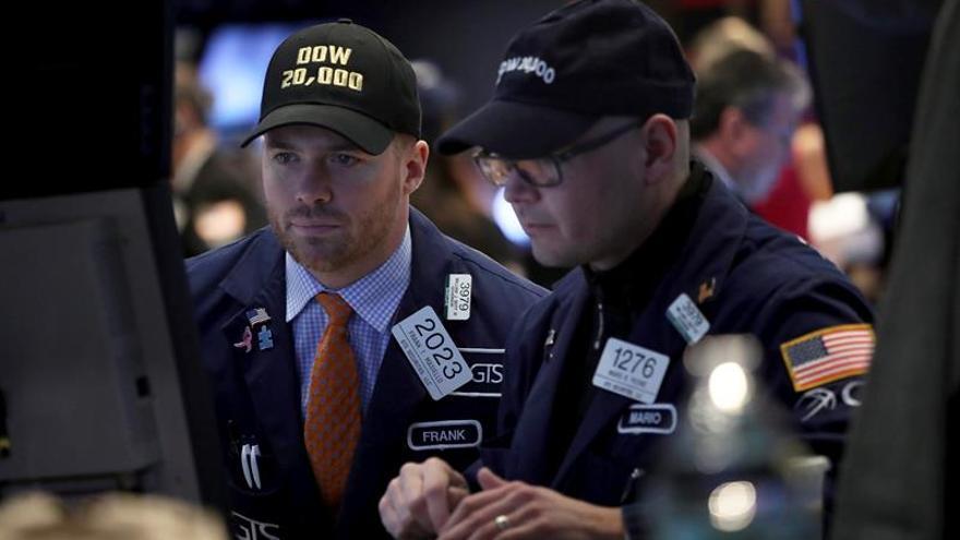 Wall Street abre sin rumbo y el Dow Jones suma un ligero 0,01 %