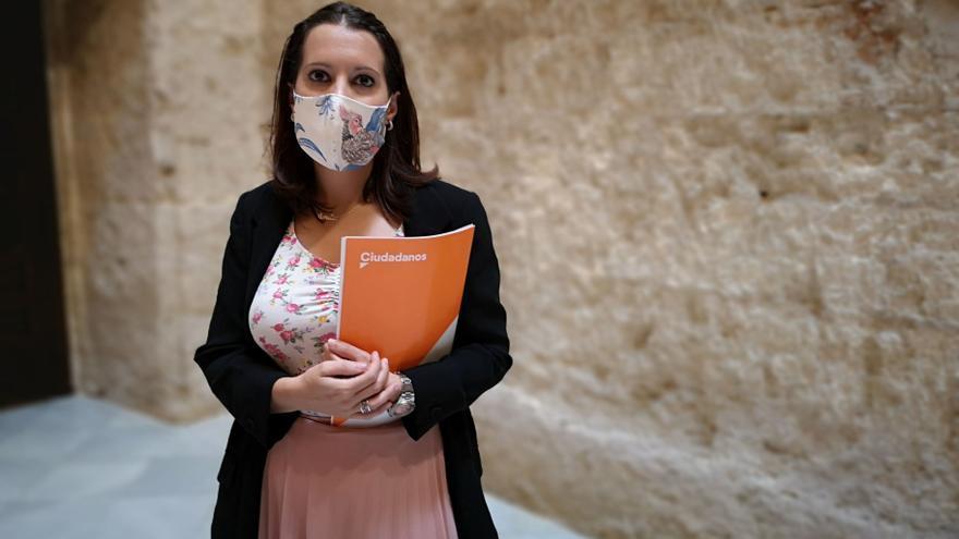 Una edil de Cs será la primera en el Ayuntamiento de Sevilla que no pierde derechos políticos tras tener un hijo