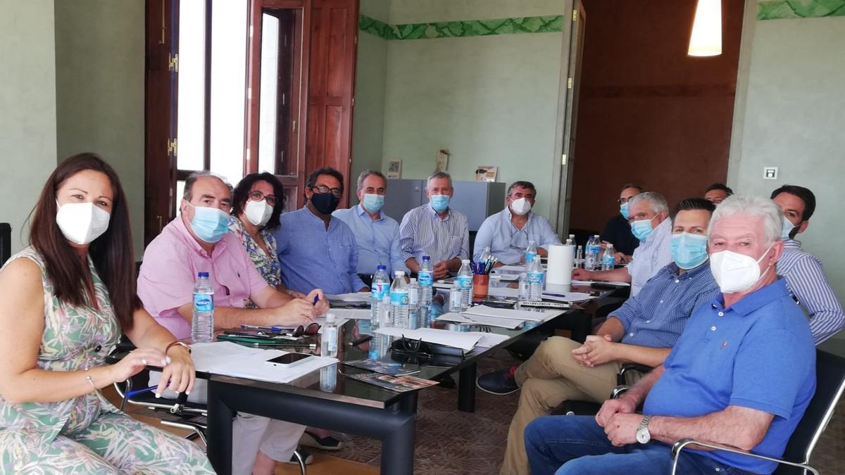 Asistentes a la reunión celebrada este viernes en Fuente Obejuna
