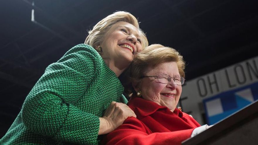 Senadora y congresista negro presentarán a Clinton a la nominación demócrata