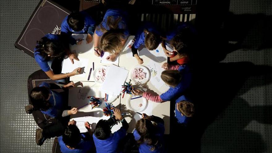 Niños de entre 6 y 12 años exponen sus brillantes inventos en el museo de Barcelona