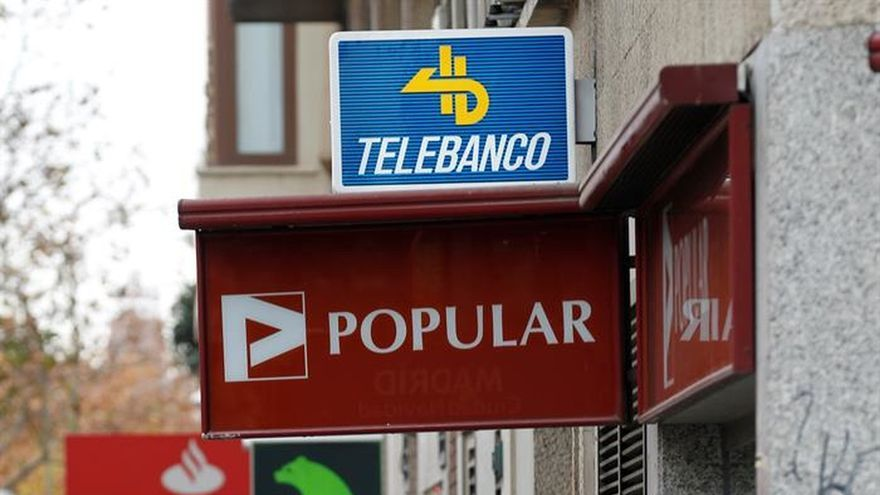 La banca y los sindicatos negocian la regulación del registro de la jornada laboral