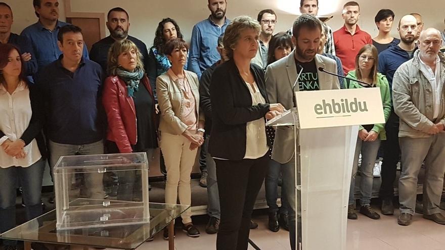 Alcaldes de EH Bildu muestran su solidaridad con los 700 regidores catalanes citados por la Fiscalía