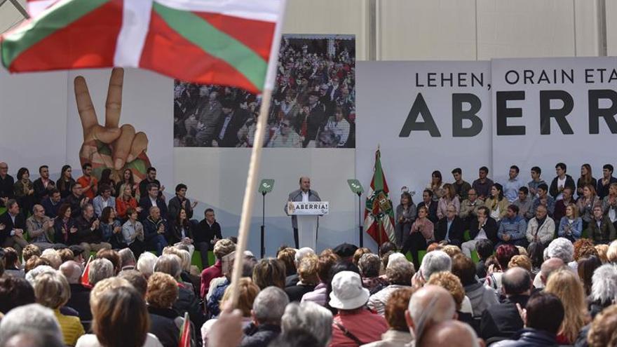 Ortuzar (PNV) reclama una relación bilateral de la nación vasca con el Estado