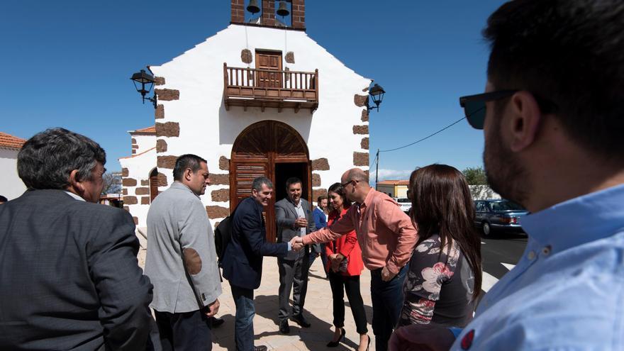Fernando Clavijo visitó el entorno de la iglesia de San Antonio del Monte.