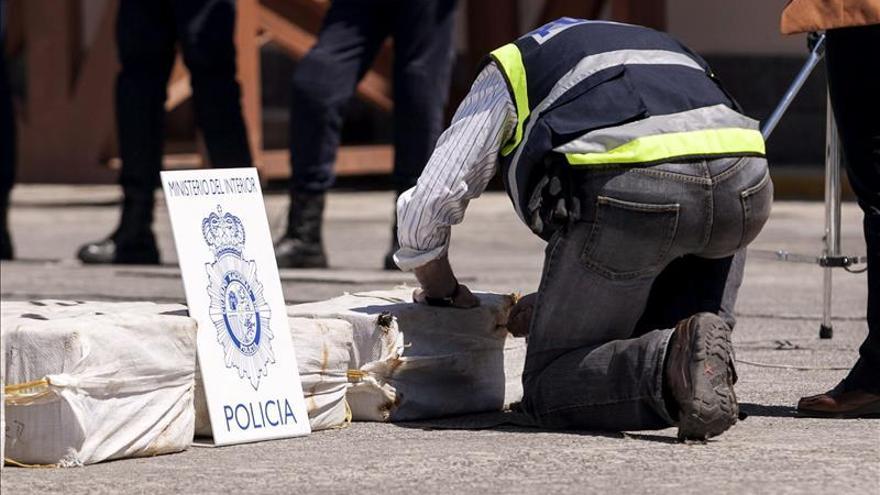 Incautados 160 kilos de cocaína oculta entre cacao en el puerto de Valencia