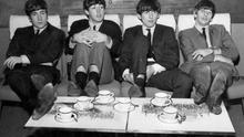 Los jóvenes de Liverpool relajados ante la cámara. (Cedida a Canarias Ahora).