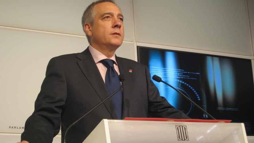 """Navarro (PSC) pide que la declaración sea legal y no """"presuponga"""" la independencia"""