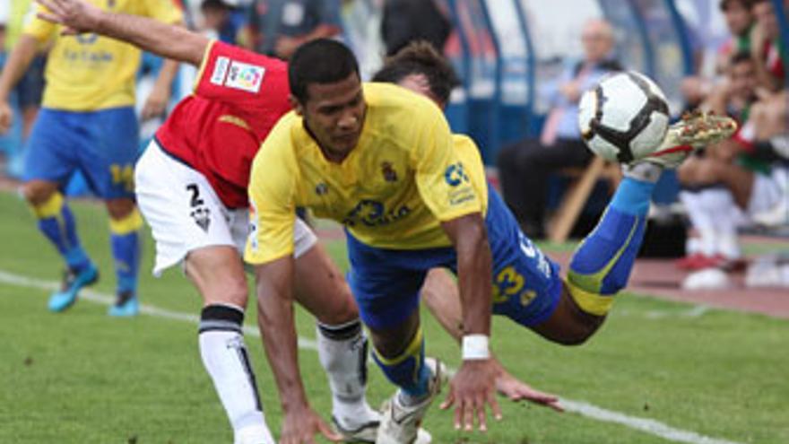 Rondón, uno de los cuatro futbolistas extranjeros que militan en la UD Las Palmas. (QUIQUE CURBELO)