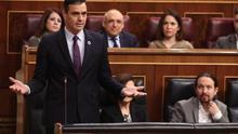 """Sánchez tiende a Casado la mano para el diálogo durante la legislatura y le pide que deje de ser """"el eco de la ultraderecha"""""""