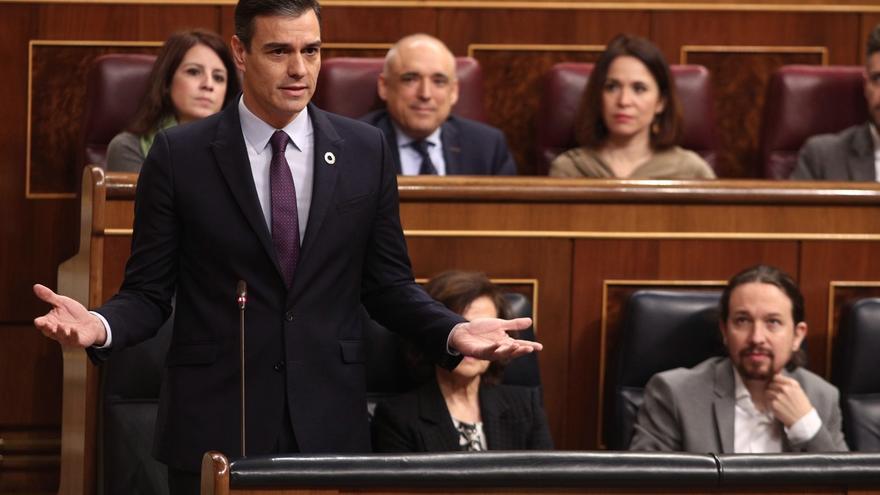 """Sánchez echa en cara a Casado el """"balance lamentable"""" del PP en Cataluña, con """"referendums ilegales y políticos presos"""""""