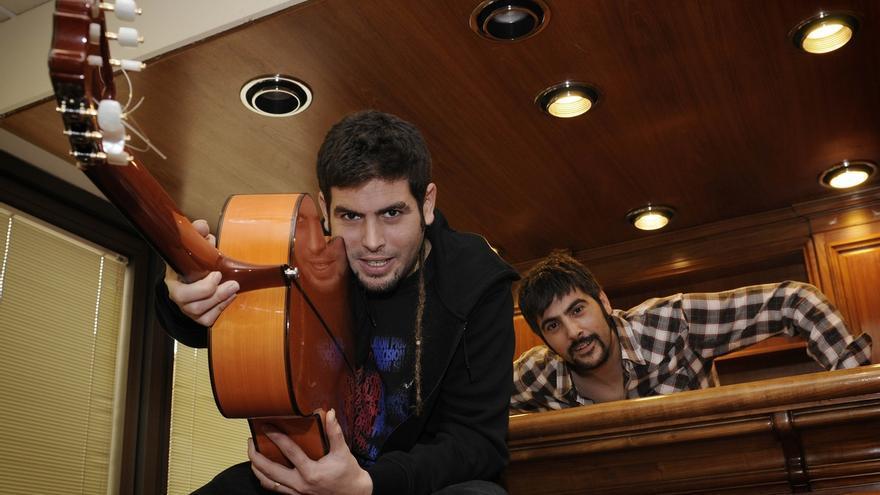Estopa lanza el video de su nuevo single 'Pastillas para dormir', rodado en Navarra