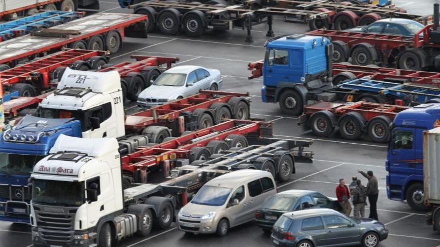 Transportistas de carga suspenden paro en las fronteras de El Salvador