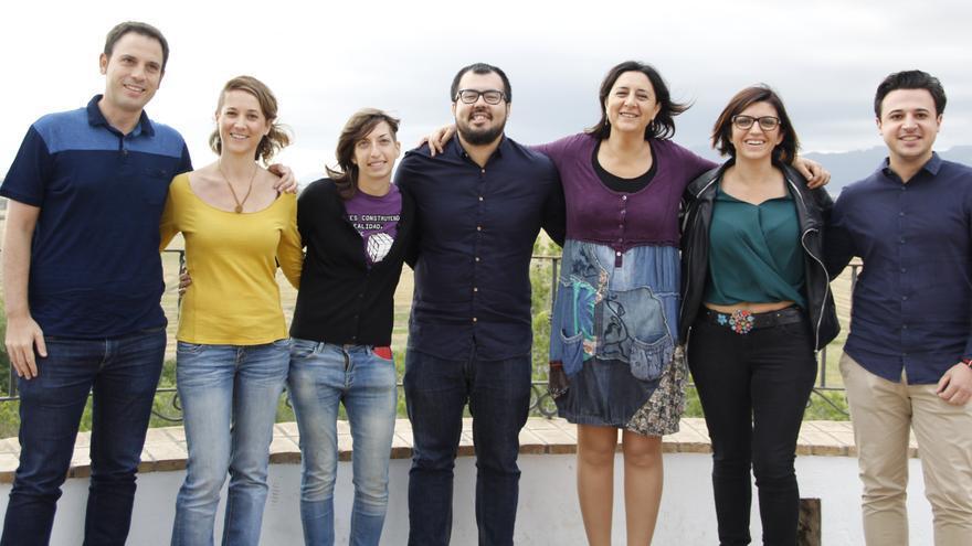 "Rosa Pérez Garijo (tercera por la derecha) junto a otros integrantes de la lista ""Una nova EUPV per a un nou país"""