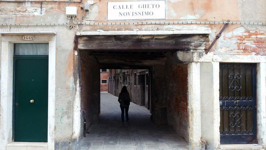 Antigua puerta del Ghetto veneciano. Daviddje