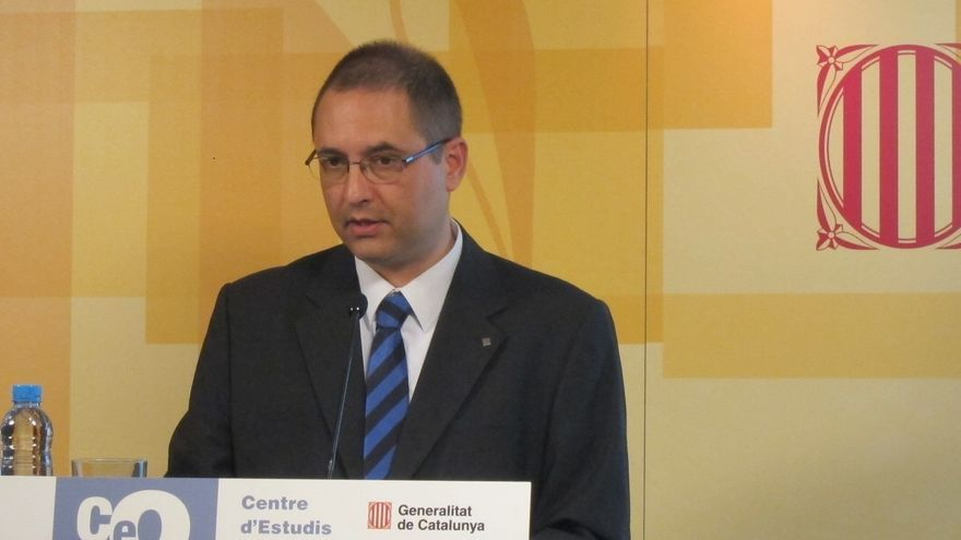 El director del CEO que dio mayoría absoluta a CiU dice que su cargo está a disposición de quien le nombró
