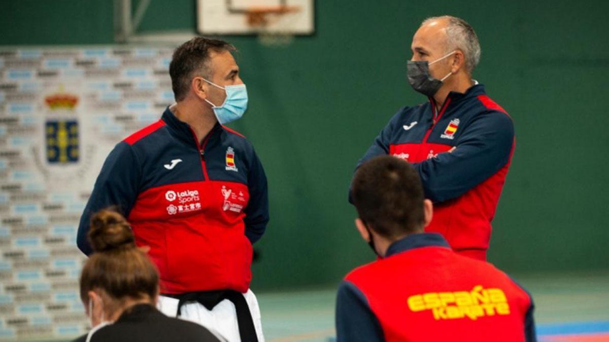 César Martínez, a la derecha, con la selección española.