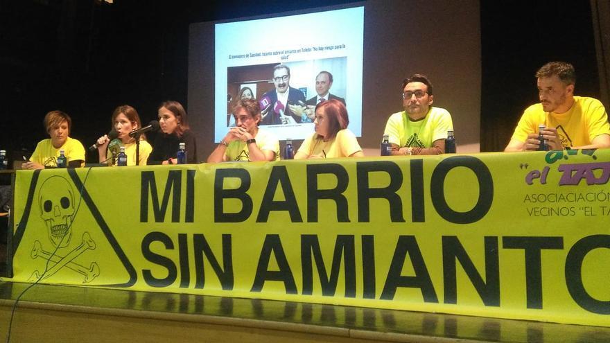 La Plataforma Mi Barrio Sin Amianto en la rueda de prensa que han ofrecido en Toledo / FM