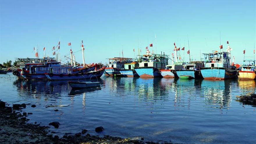 China veta acceso a zona del mar de China Meridional por maniobras militares