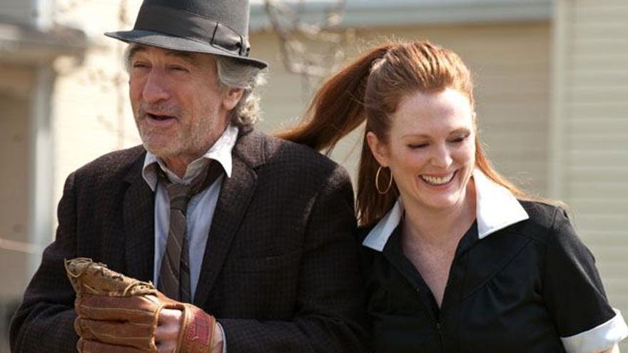 Robert De Niro y Julianne Moore saltarán a la televisión protagonizando una nueva serie