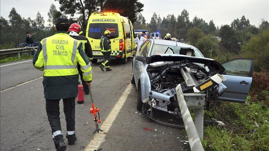 Noviembre cierra con 100 muertos en carreteras, cinco menos que un año antes