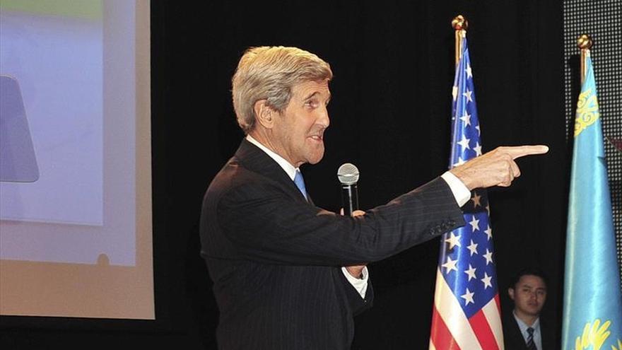 Kerry aborda en Dusambe la lucha antiterrorista y los derechos humanos