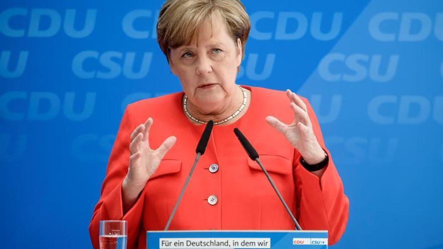 Merkel se lanza a la reelección apuntalada en el pleno empleo y la seguridad