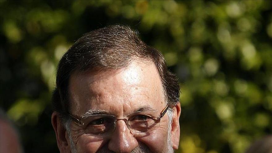 Rajoy y Sánchez sondean a Rivera, que remite los acuerdos a cada territorio