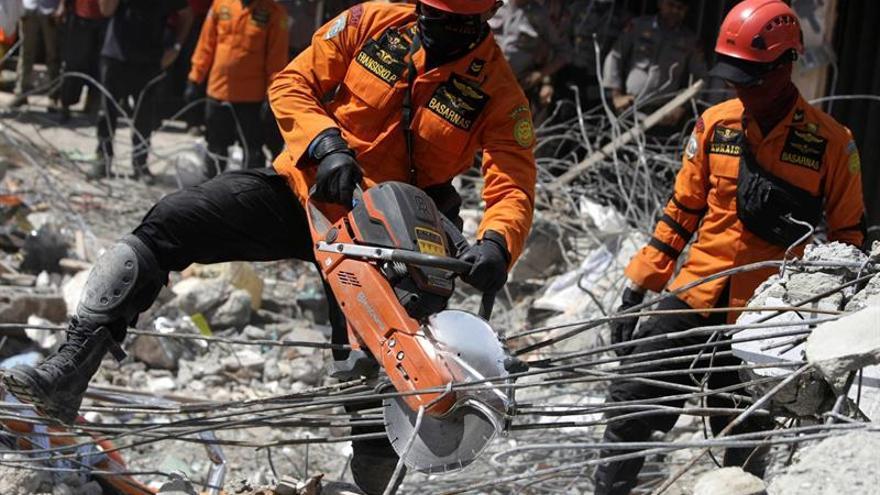 Más de 45.000 desplazados tras el terremoto en Indonesia