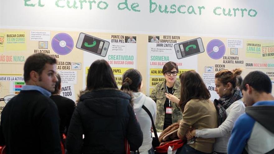 Una clase de como buscar empleo en una edición de la feria de empleo para los jóvenes que tuvo lugar en Bilbao.