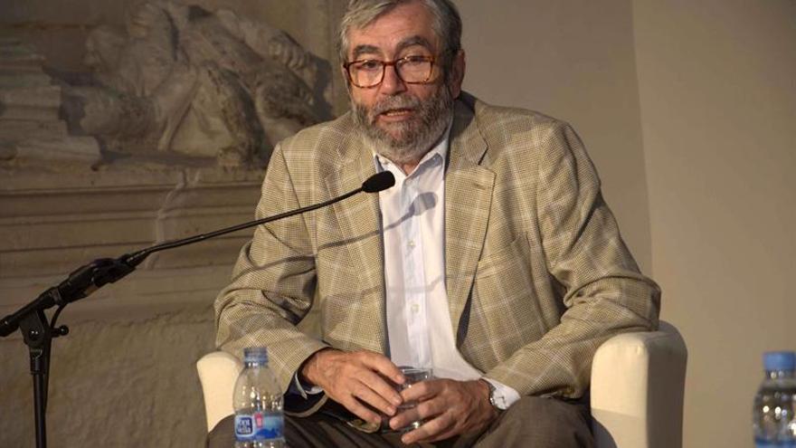 A.Muñoz Molina: Vale la pena dedicarle la vida entera al oficio de escribir