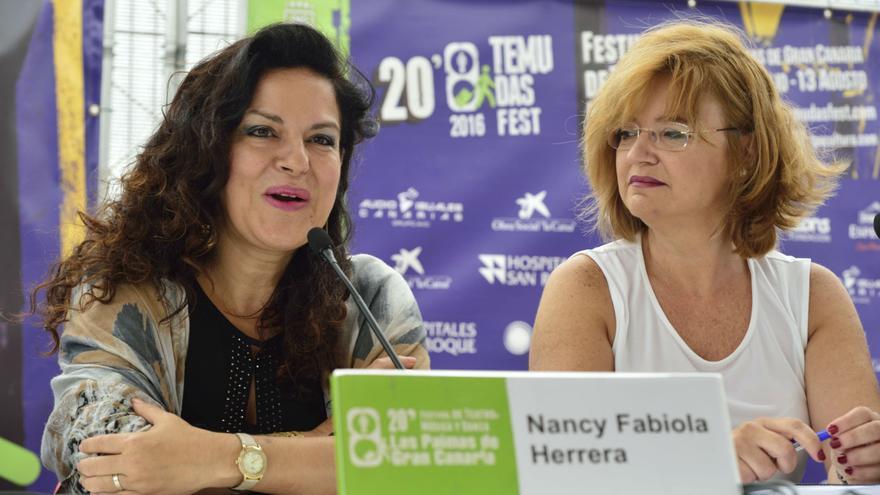 La mezzosoprano Nancy Fabiola Herrera y la concejala de Cultura de Las Palmas de Gran Canaria, Encarna Galván