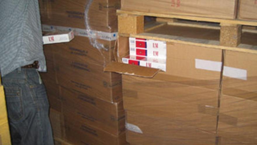 El tabaco viajaba a la isla en contenedores procedentes de China y tras pasar por Emiratos Árabes. (ACN)