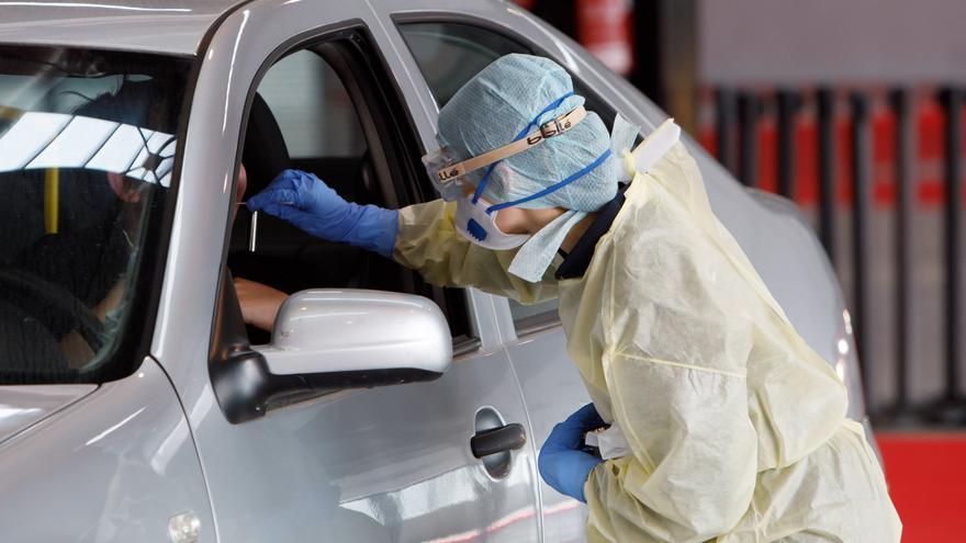 Test rápido desde el vehículo para el personal sanitario de Navarra