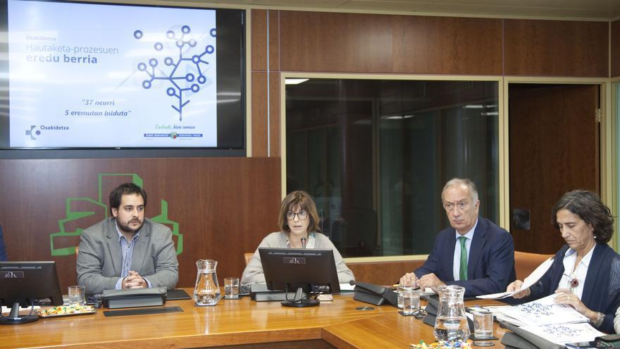 Murga, Diego y Uriarte, en la presentación del nuevo modelo de OPE de Osakidetza