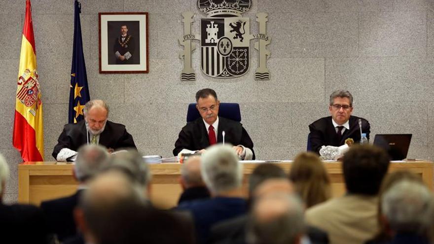 Ángel Hurtado, en el centro, durante el juicio de Gürtel en la Audiencia Nacional.