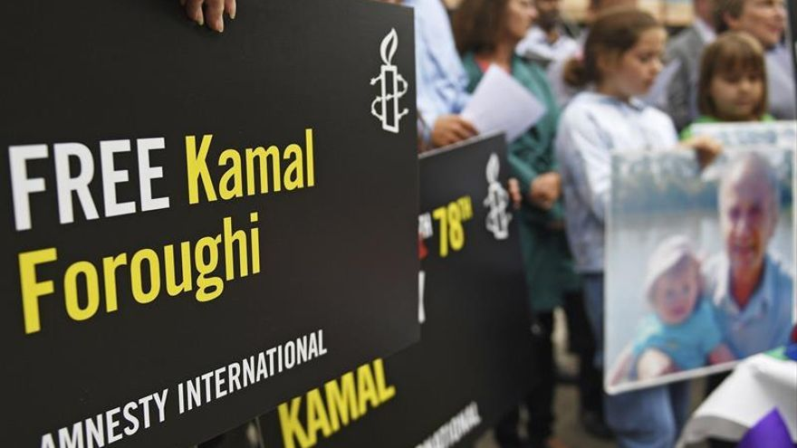 La familia del británico encarcelado en Irán pide su liberación frente a la embajada