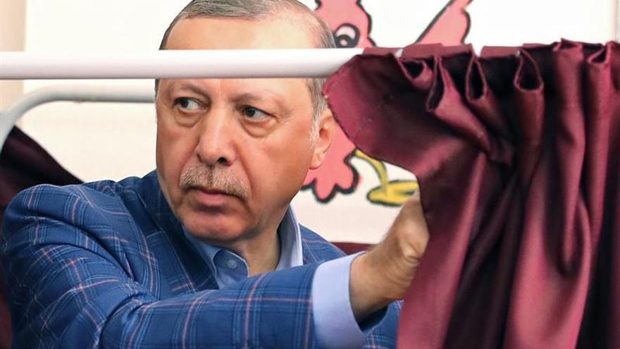 Erdogan anuncia que visitará a Trump en Washington a mediados de mayo
