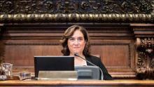 Colau aprueba el organigrama municipal gracias a los votos de ERC, PP y Valls
