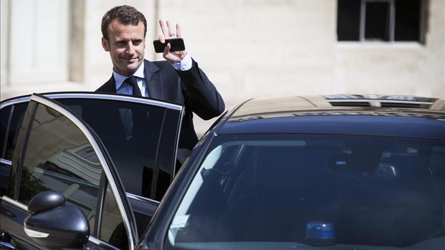 """París dice que incluso si el """"no"""" gana desde mañana hay que volver a discutir"""
